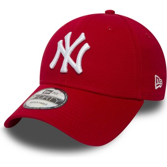 New Era Curved Brim 9FORTY Essential New York Yankees MLB Red Adjustable Cap