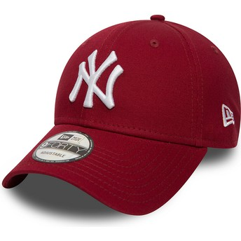 New Era Curved Brim 9FORTY Essential New York Yankees MLB Cardinal Red Adjustable Cap