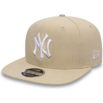New Era Flat Brim 9FIFTY Lightweight Essential New York Yankees MLB Pink Snapback Cap