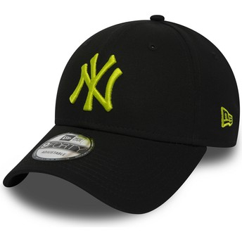 New Era Curved Brim Green Logo 9FORTY Essential de New York Yankees MLB Black Adjustable Cap