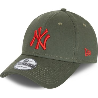 New Era Curved Brim Red Logo 9FORTY League Essential New York Yankees MLB Green Adjustable Cap