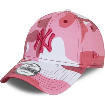 New Era Curved Brim Pink Logo 9FORTY New York Yankees MLB Camouflage and Pink Adjustable Cap